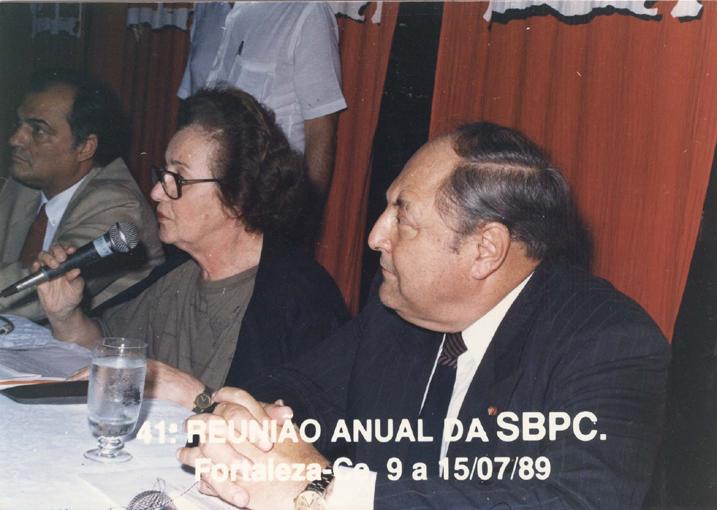 41ª Reunião Anual da SBPC, realizada em Fortaleza (CE), em julho de 1989. Da esquerda para a direita: Roberto João Pereira Freire, Carolina Martuscelli Bori e Antônio Aureliano Chaves de Mendonça. Crédito: Mário Sérgio Cortella.