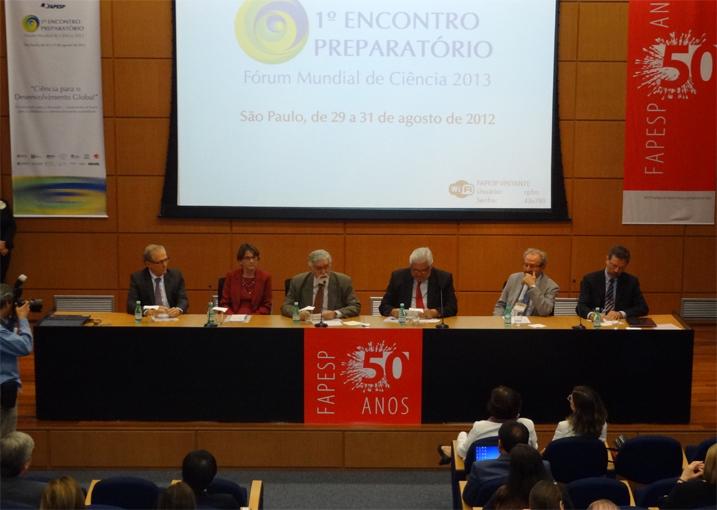 Abertura do 1º Encontro Preparatório do 6º Fórum Mundial de Ciência – Fapesp, que aconteceu no dia 29 de julho de 2012 .