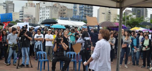 """""""Temos que dialogar mais com a sociedade, explicar mais a ciência para evitar a volta do obscurantismo"""", ressalta a presidente da SBPC, Helena Nader, que discursou na Marcha Pela Ciência, em São Paulo,no último sábado"""