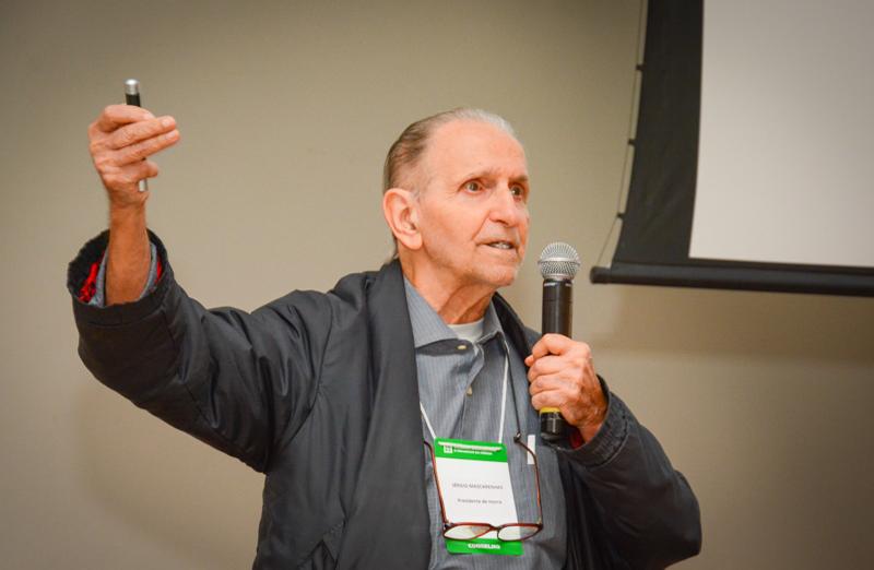 Presidente de honra da SBPC, Sérgio Mascarenhas, proferiu a conferência 'De Leibniz à era digital do século XXI', durante a 69ª Reunião Anual da SBPC. (Foto: Pietro Sitchin/SBPC)