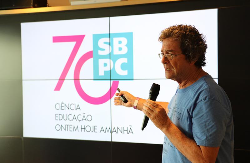 Em palestra no Museu do Amanhã, em 25 de janeiro, Marianne Wiesebron, da Universidade de Leiden, na Holanda, e Ildeu de Castro Moreira, presidente da SBPC, falaram sobre o papel da Universidade na defesa da liberdade de pensamento e expressão. (Foto: Museu do Amanhã)