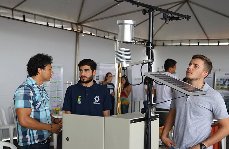 Dentre as atividades da Reunião Regional em Rio Verde, chamam a atenção os experimentos da Exposição de Ciência, Tecnologia & Inovação (ExpoECT). (Foto: IF Goiano)