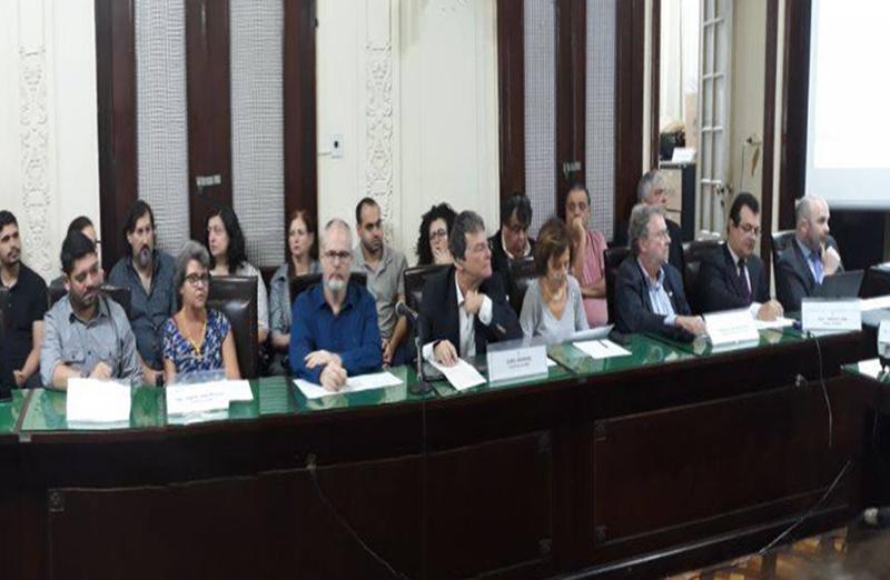 Audiência pública na Assembleia Legislativa do Rio de Janeiro debate crise de recursos na Faperj. Solicitada pela SBPC, a audiência foi realizada em 02 de maio. (Foto: Uenf)