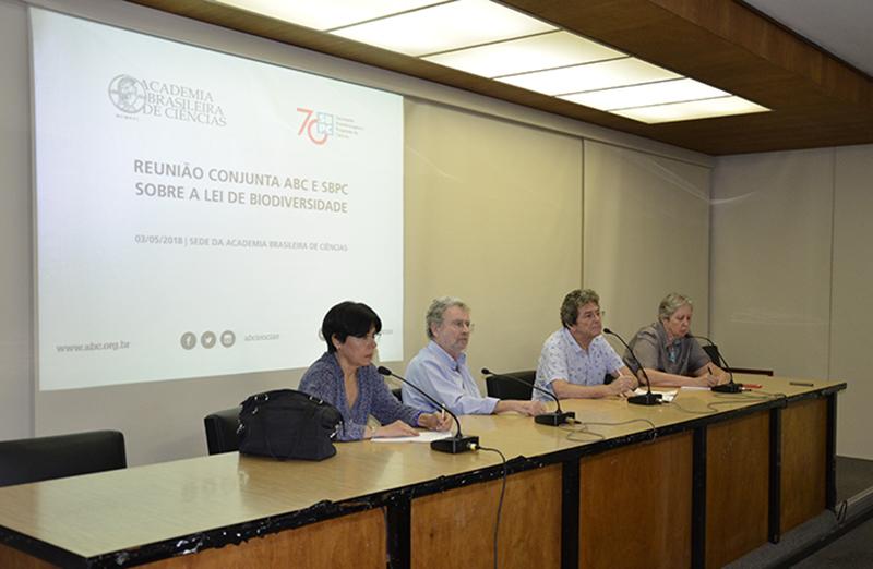 A reunião conjunta ABC/SBPC sobre a Lei da Biodiversidade foi realizada no dia 3 de maio, no Rio de Janeiro. Foram debatidos pontos da Lei e propostas de atuação para melhorar a sua interpretação e aplicação. (Foto: ABC)