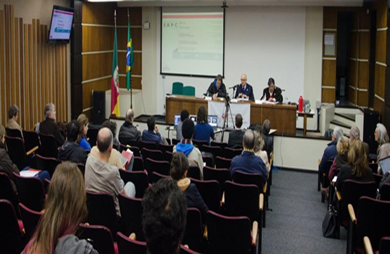"""SBPC divulga documento com propostas para políticas públicas de educação superior. A Carta de Porto Alegre é o documento resultante do Seminário Temático """"Desafios da Graduação, da Pós-graduação e da Educação em Ciências"""", realizado pela SBPC no dia 6 de junho, na UFRGS"""