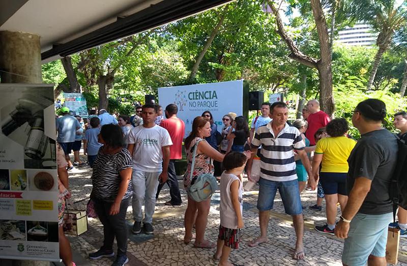 """""""Ciência no Parque"""" chama a atenção para a importância da CT&I no estado do Ceará. Em evento realizado em 01 de julho, em Fortaleza, para celebrar os 70 anos da SBPC, o Dia Nacional da Ciência e Dia Nacional do Pesquisador, reuniu crianças e adultos de todas a idades no Parque do Cocó para participar de experimentos científicos e conhecer sobre o papel da ciência para o desenvolvimento do Estado"""