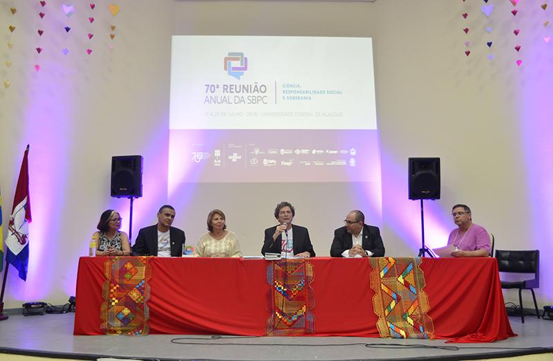 A 70ª Reunião Anual da SBPC se despede da Ufal após uma semana de debates e atividades culturais e científicas marcadas pela participação intensa do público: mais de 12 mil pessoas já passaram pelo evento