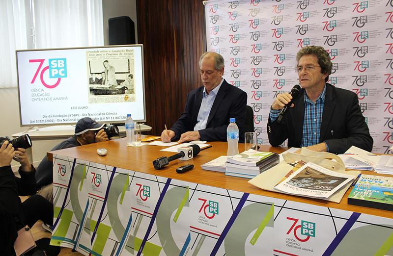 """Comunidade científica debate propostas para CT&I com Ciro Gomes. No dia 18 de setembro, o candidato veio à sede da SBPC em São Paulo para participar da série """"Debate com Presidenciáveis"""", que a entidade vem promovendo desde julho."""
