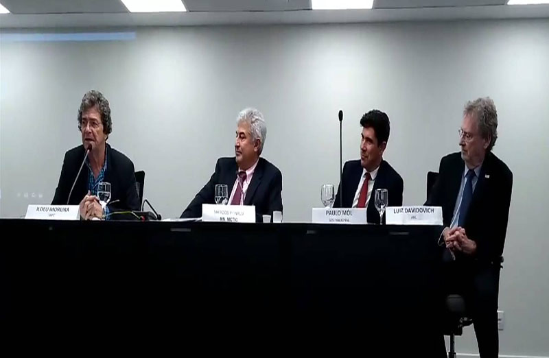 Comunidade científica e tecnológica se reuniu com o futuro ministro Marcos Pontes, em 06 de dezembro, para debater a 'Ciência, Tecnologia e Inovação para o Desenvolvimento Sustentável: Debate para o Futuro'.