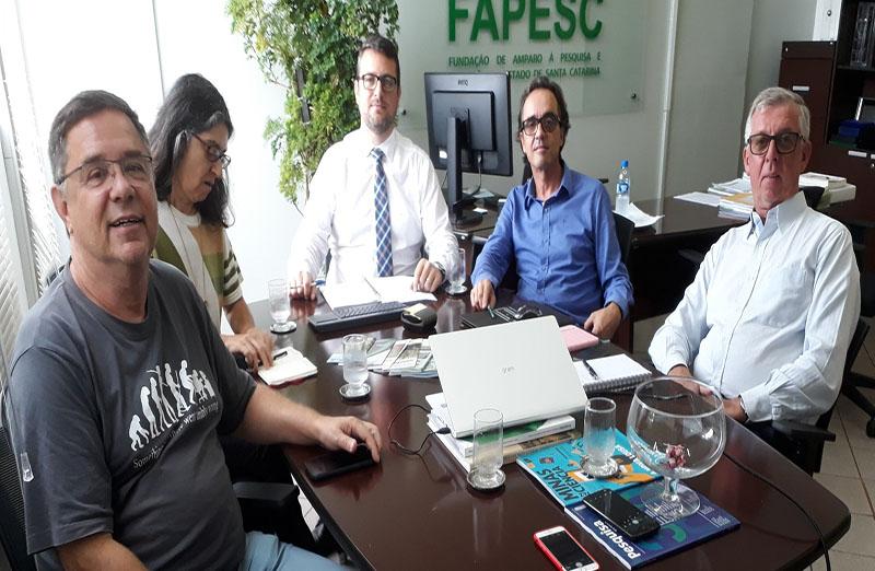 Representantes da SBPC se reúnem com novo presidente da Fapesc. Na pauta do encontro, realizado em fevereiro, estava a recuperação orçamentária, a necessidade de alavancar a pesquisa científica e tecnológica em todas as áreas do conhecimento e quais ações políticas e educativas podem ser implementadas pelo Estado, com o apoio da SBPC