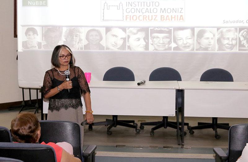 """Em celebração do Dia Internacional da Mulher, a Fiocruz Bahia promoveu a palestra """"Mulheres cientistas no século XXI, novos tempos e trajetórias"""", ministrada por Vanderlan Bolzani, vice-presidente da SBPC."""