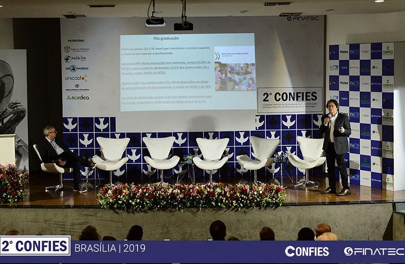 Presidente da SBPC, Ildeu Moreira, participou da atividade 'Crise Orçamentária da Ciência e Tecnologia', realizada durante o 2º Congresso do Confies. (Foto: Confies)